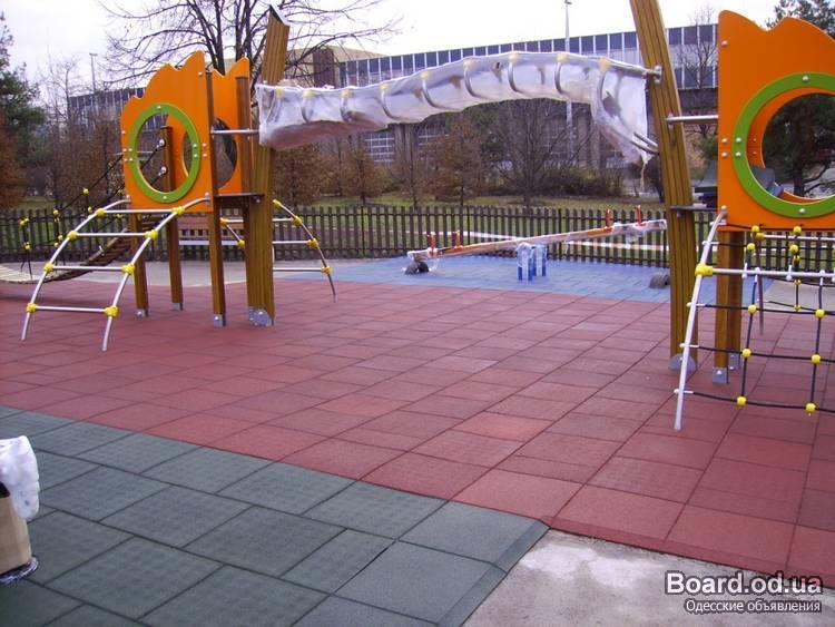 Резиновая плитка для спортивной площадки