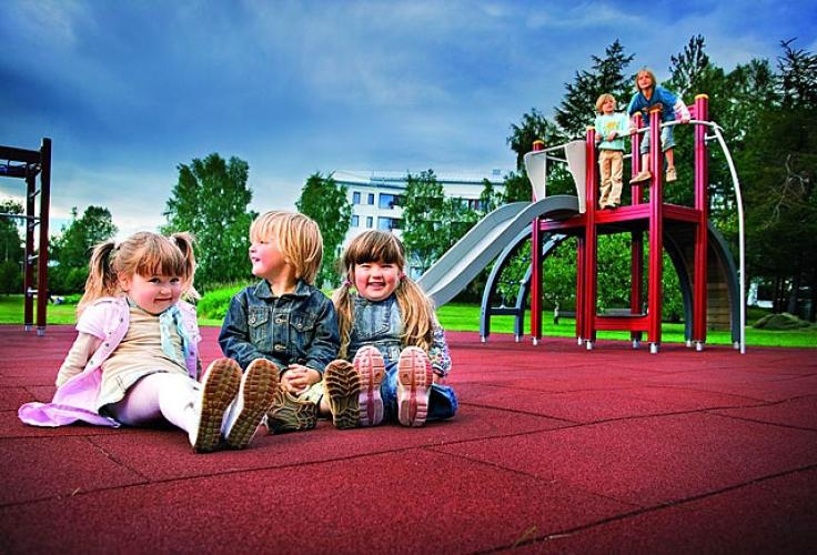 Травмобезопасное резиновое покрытие для детских площадок